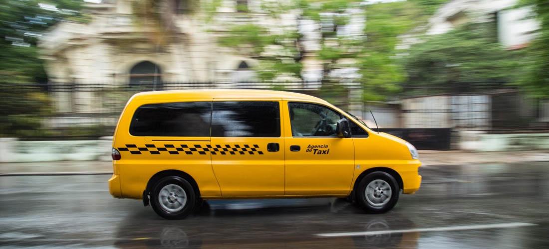 Taxi en Cuba - Microbus - Maxicuba